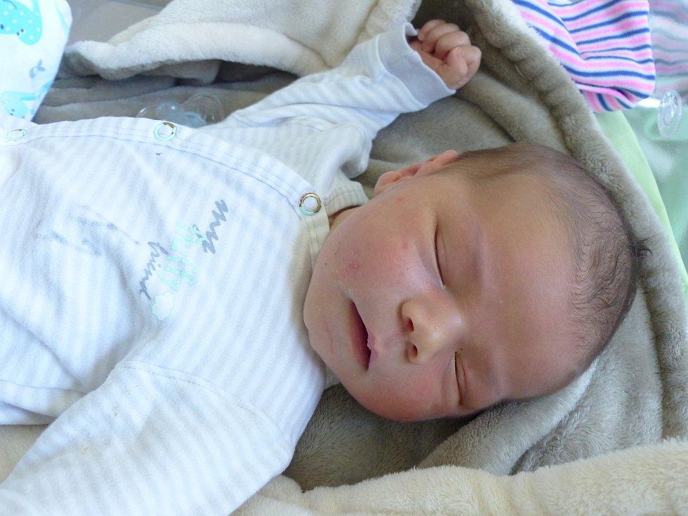 Kristián Dotko se narodil 31. května 2021 v kolínské porodnici, vážil 4040 g a měřil 50 cm. V Kolíně se z něj těší maminka Renata a tatínek Kristián.