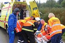 Žena sledovala dopravní nehodu a skončila v nemocnici
