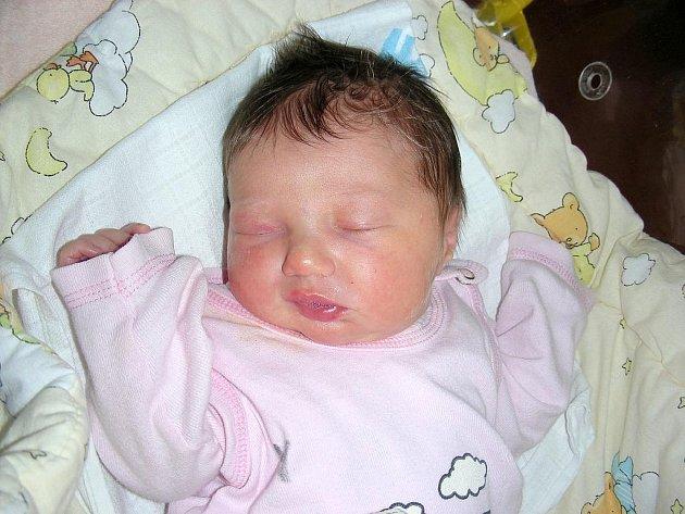 V neděli 15. 11. přivedla na svět maminka Veronika Brotanová prvorozenou holčičku Terezku a tatínek Ján byl u toho, když Terezce sestřičky na porodním sále navážily 3,11 kg a naměřily 48 cm. Dcerku si rodiče odvezou domů do Újezdu.