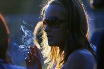 Děti v Berouně organizují kvůli cigaretám podvody.