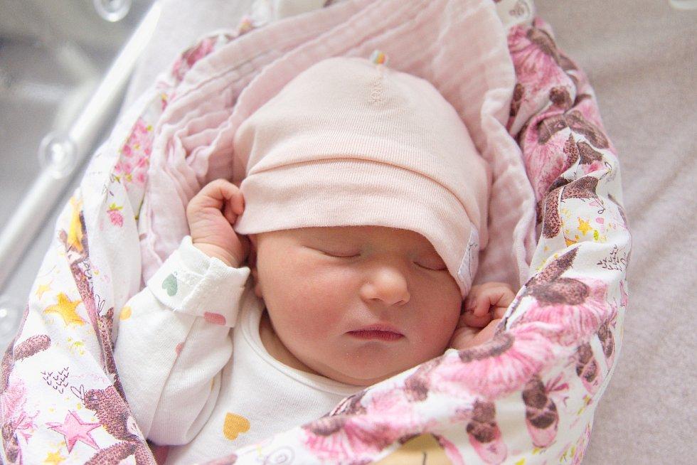 Adéla Kulawiaková se narodila v nymburské porodnici 12. května 2021 v 5.09 hodin s váhou 3250 g a mírou 50 cm. Na holčičku se v Nymburce těšili maminka Veronika, tatínek Radek a sestřička Anička (2,5 roky).