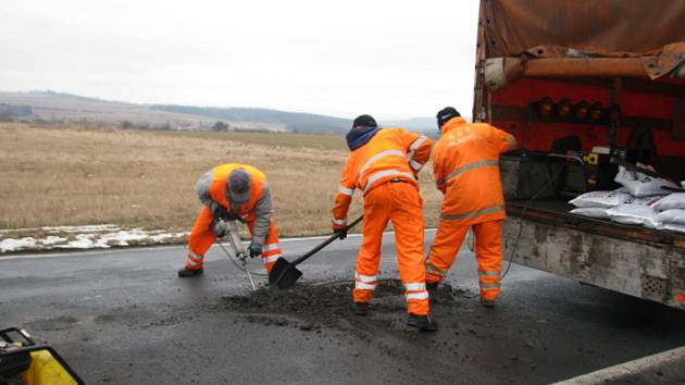 Silnici mezi Hořovicemi a Žebrákem minulý rok silničáři opravovali