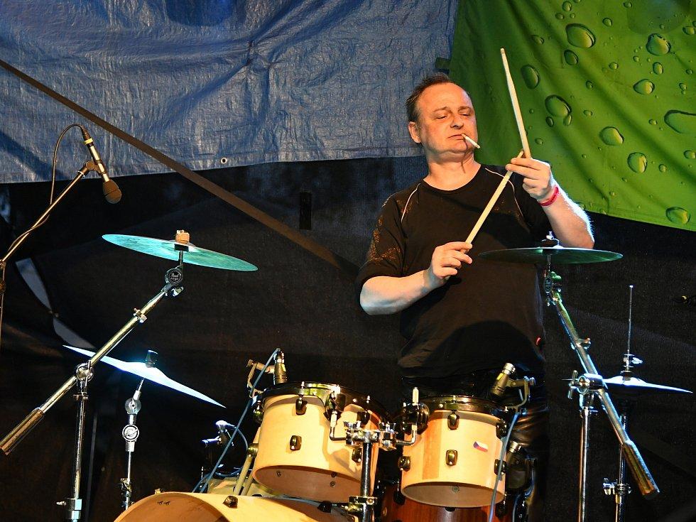 Hudební festival Hudlice fest v Hudlicích na Berounsku.