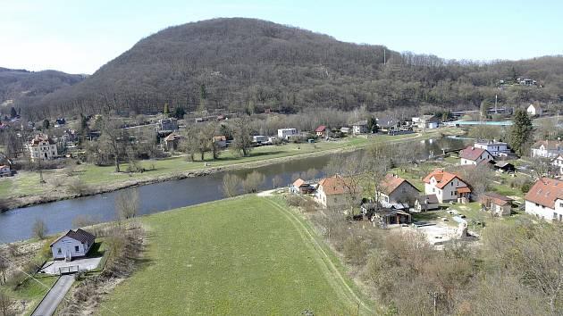 Obec Srbsko.