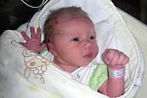 PRVOROZENÁ dcerka Anna Lálová se narodila 12. prosince 2016 manželům Kateřině a Janovi z Berouna. Aniččina babička Marta slavila 11. prosince narozeniny a vnučka je pro ni nejkrásnějším dárkem.