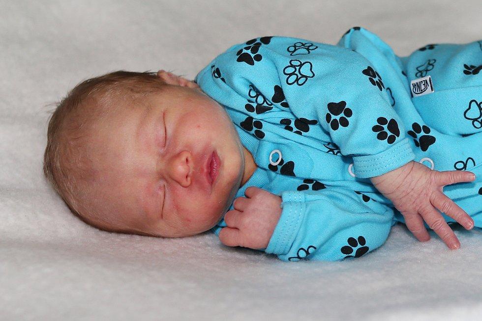 Viktorie Větrovská se narodila 8. června 2021 v Příbrami. Vážila 2750g a měřila 46cm. Doma v Sádku ji přivítali maminka Kristýna a tatínek Jaroslav.