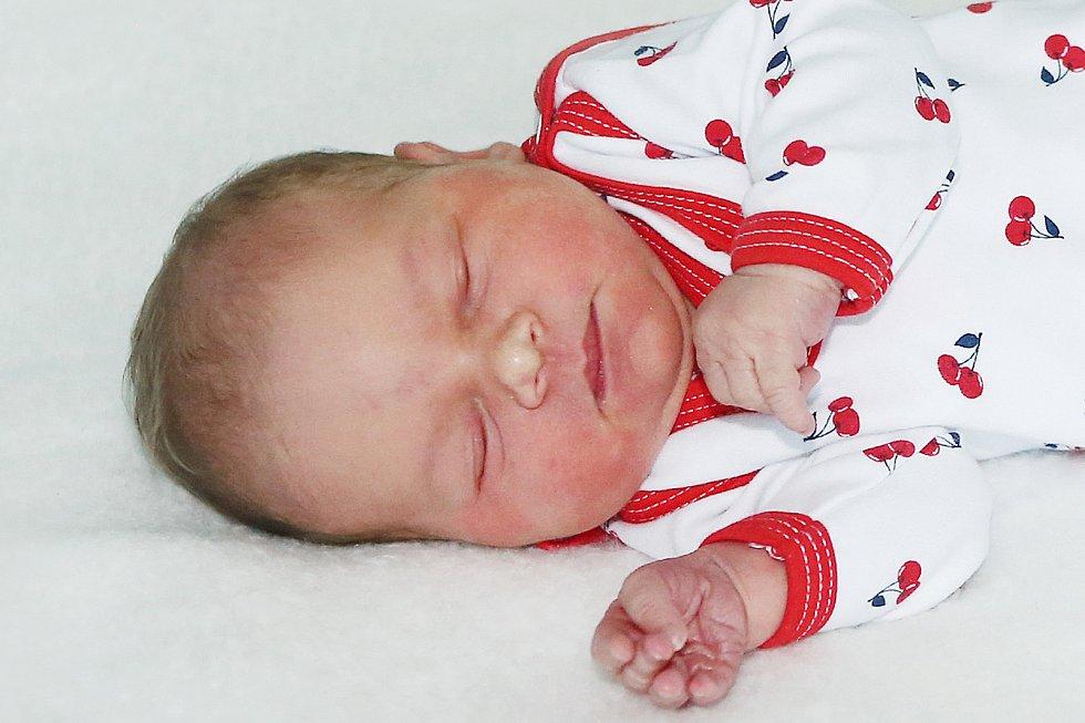 Natálie Silbernáglová se narodila 30. května 2021 v Příbrami. Vážila 3350 g a měřila 50 cm. Doma v Příbrami ji přivítali maminka Kateřina a tatínek Milan.