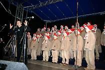 Koncert chlapeckého sboru Boni Pueri, kteří jsou jedním z nejvyhledávanějších hudebních těles, navodil tu pravou vánoční atmosféru