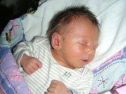 MANŽELŮM Kristýně a Petrovi se 14. března 2017 narodilo první miminko, syn Petr. Petřík Kuľha vážil po narození 2,79 kg a měřil 45 cm. Rodiče připravili pro chlapečka postýlku a hračky doma v Hudlicích.