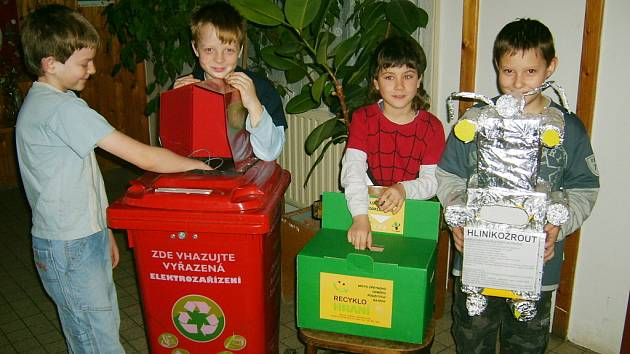 Třídění odpadu v Osově