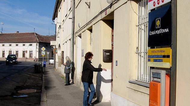 Lochovická pošta