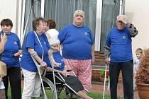Obyvatelé Domova důchodců V Zahradách Zdice se účastní i sportovních olympiád