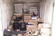 Nástroje a zásoby putující do Frýdlantu.