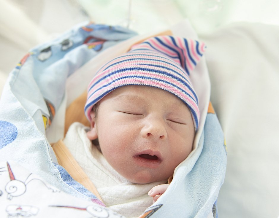 Matyáš Borovička z Nymburka se narodil v nymburské porodnici 10. června 2021 v 8.15 hodin s váhou 3160 g a mírou 49 cm. Na prvorozeného chlapečka se těšili maminka Iveta a tatínek Martin.