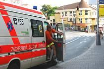 Napadených pracovníků rychlé zdravotnické záchranné služby přibývá. Nikdo z nich si reakcí pacienta není jistý.