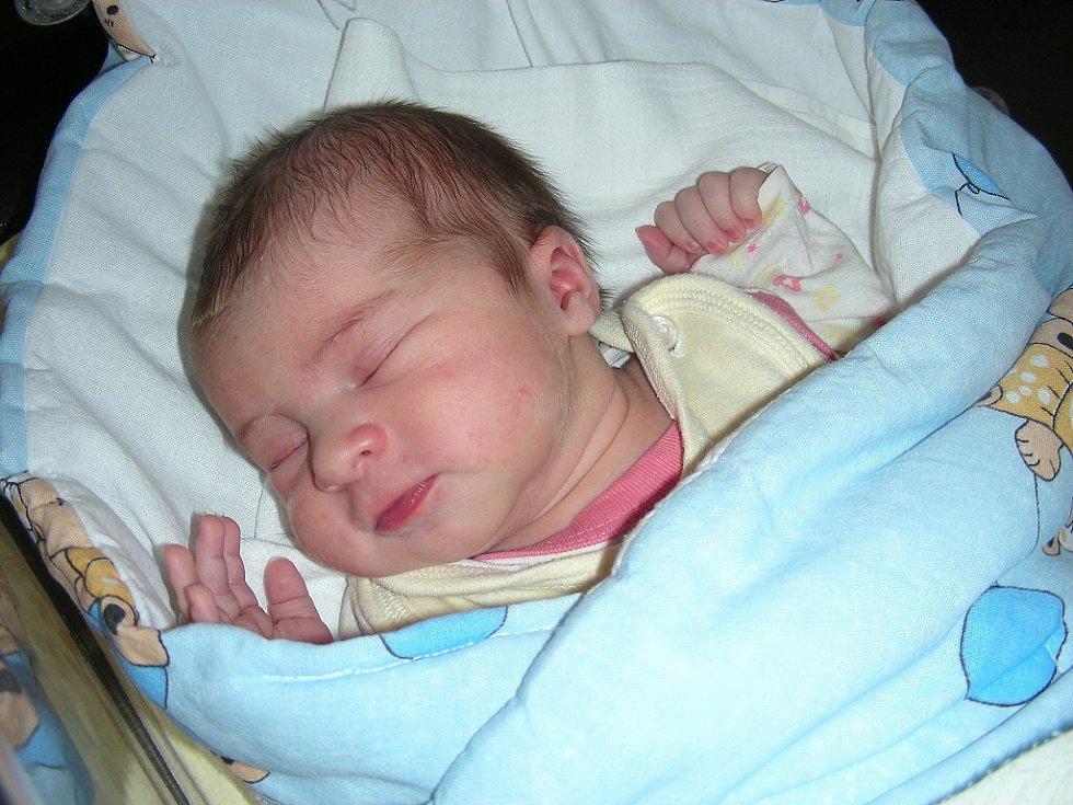 Manželé Lenka a Dan Sklenářovi ze Stradonic si 23. června pořídili druhou holčičku a vybrali pro ni jméno Barborka. Holčička vážila po porodu 3,56 kg a měřila 51 cm. Barborka bude vyrůstat s sestřičkou Lucinkou (4).