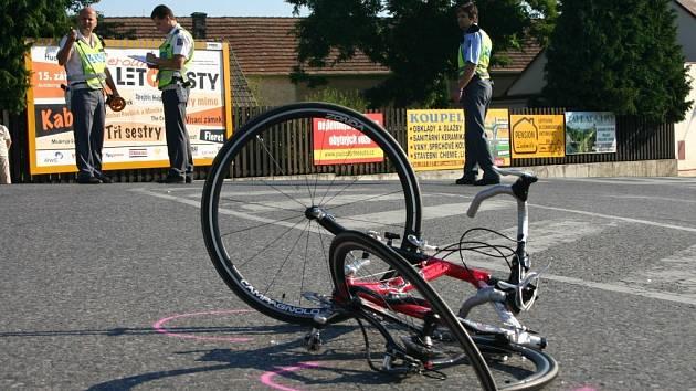 Při červencové nehodě v Králově Dvoře zemřel cyklista.