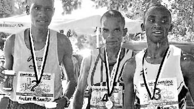 Vytrvalostního závodu Žebrácká pětadvacítka se pravidelně účastní i zahraniční běžci.