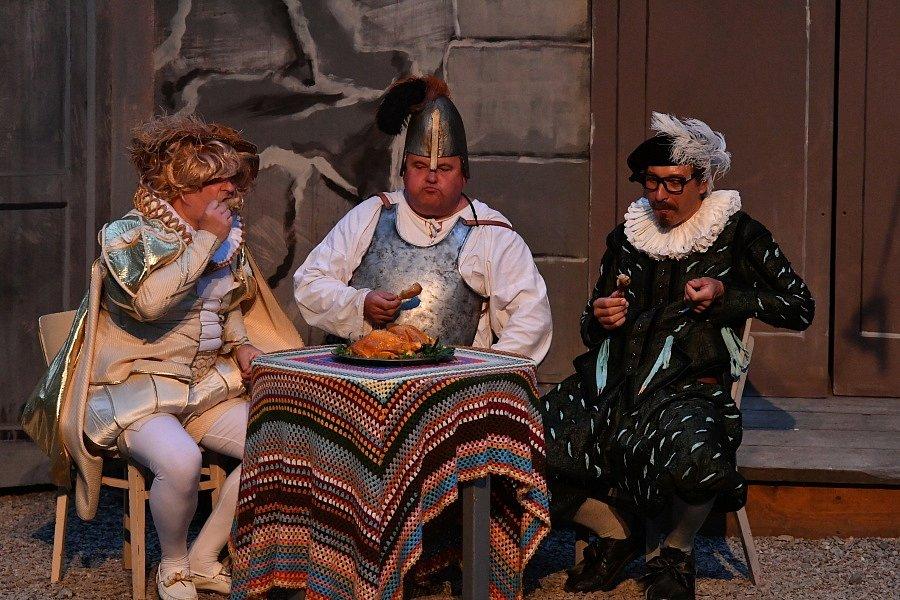 Dobřichovický divadelní soubor Kukadýlko připravil pro návštěvníky lesního divadla v Řevnicích hudební pohádku podle scénáře Jana Wericha, Bořivoje Zemana, Jiřího Brdečky a Oldřicha Kautského Byl jednou jeden král.