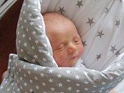 Syna Jakuba Bartoníčka přivedli společně na svět 3. ledna 2019 rodiče Zdenka a Vladimír. Kubíček se narodil 33 minut po 15. hodině, vážil 3,17 kg a měřil 48 cm. Novopečená rodinka má domov ve Skuhrově.