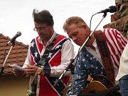 Na setkání věnovanému návštěvě Johnnyho Cashe zahrály  tři kapely.
