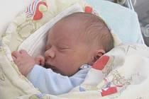 Do Tlustice přibyl nový občánek. Narodil se v sobotu 24. 1. manželům Karin a Jiřímu Sklenářovým, kteří mu dali jméno Davídek. Po příchodu na svět navážily chlapečkovi sestřičky v porodnici 3,50 kg a měřily 47 cm.