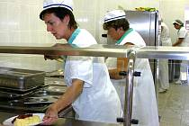 Škola slavnostně otevřela novou kuchyni
