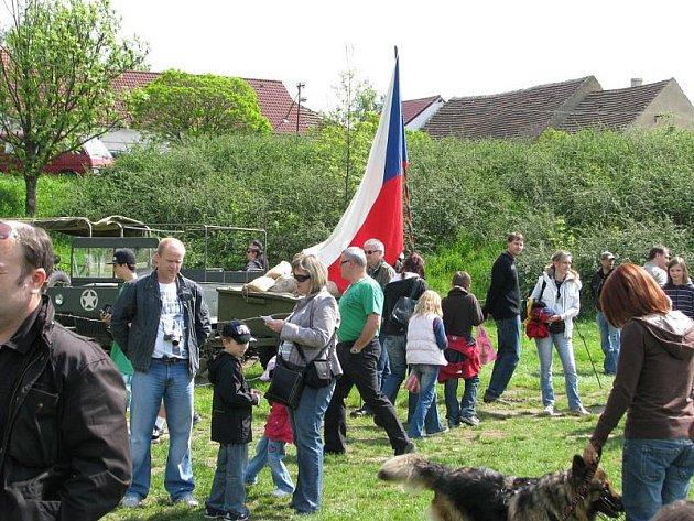 Návštěvníci Berouna měli o víkendu možnost zhlédnout ukázku kempu armády z II. světové války.