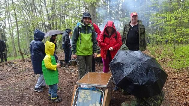 Turisté z Berounska už naplno rozjeli sezonu. Jen během května se v regionu uskutečnily dvě velké turistické akce, a to Pešíkův pochod a pochod jarním Českým krasem. Nyní mohou navštívit Národní přírodní rezervaci.