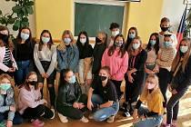 Studenti berounské obchodní akademie opět pomohli Lize proti rakovině.