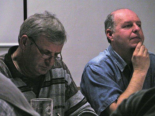 Sekretář berounského klubu a člen výboru Jaroslav Tarczal (vlevo) a místopředseda Karel Přibyl (vpravo)