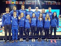 Česká plavecká reprezentace v Kodani, Tomáš Ludvík druhý zleva dole.