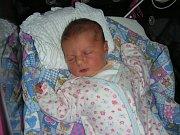Marcela a Jan Rumlovi z Prahy neznali dopředu pohlaví druhého děťátka a nechali si toto krásné překvapení až na porodní sál. V sobotu 3. listopadu se jim narodila dcerka Denisa s váhou 3,68 kg a mírou 49 cm. Denisku bude dětským světem provázet bráška Mat