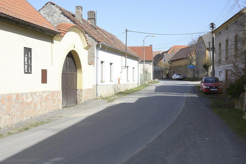 Obec Koněprusy.