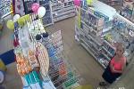 Žena kradla kondomy a lubrikační gely