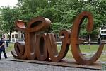 Skulptura Love Hate.