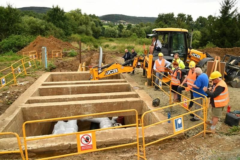 Sanace potrubí hlavního přivaděče vody pro Berounsko a Hořovicko.