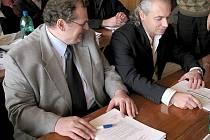 Pavel Rybáček (vpravo) je novým členem zastupitelstva