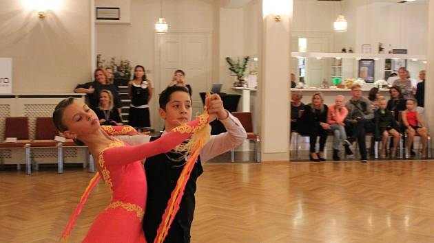 3. listopadu od 8 hodin  se v berounském Kulturním domě Plzeňka odehrávaly taneční souboje.