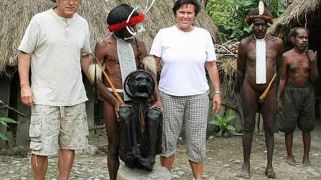 Tomáš Havel s manželkou při cestě po Indonésii