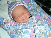DO BZOVÉ přibyl 16. prosince 2017 nový občánek. Jmenuje se Jakub Jiráček a je prvním dítkem rodičů Kateřiny a Tomáše. Kubíčkovi sestřičky na porodním sále navážily rovné 3 kg a naměřily 48 cm.