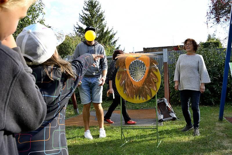 Ze zahradní slavnosti v Mateřské škole Vrchlického v Berouně.