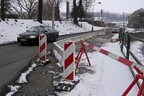 Oprava hráze hořovického Červeného potoka omezila dopravu