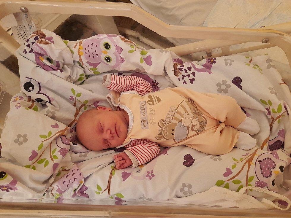Lea Piskačová přišla na svět 23. července 2021 v 16.46 hodin v čáslavské porodnici. Vážila 3320 gramů a měřila 50 centimetrů. Doma v Kaňku se z ní těší maminka Markéta, tatínek Zdeněk a dvouletá sestřička Ela.