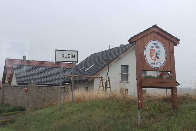 Obec Trubín.