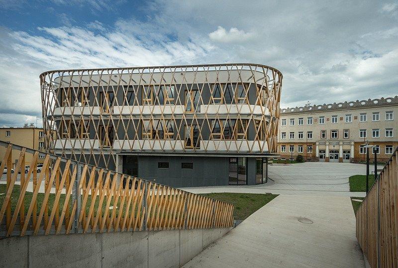 Stavba roku 2020 - nominace - Mníšek pod Brdy, ZŠ