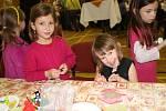 Do soutěže o nejlepší kulinářský počin se zapojují nejen hospodyňky, ale své upečené dobroty přináší i děti a muži. Součástí zábavného a soutěžního odpoledne je zajímavý program.