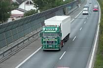 Dopravci snižují ceny kvůli konkurenci,
