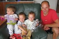 Daniel, Tomášek a Ondřej Holečkovi slavili druhé narozeniny