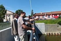 Měření průtoku vody v berounském náhonu.